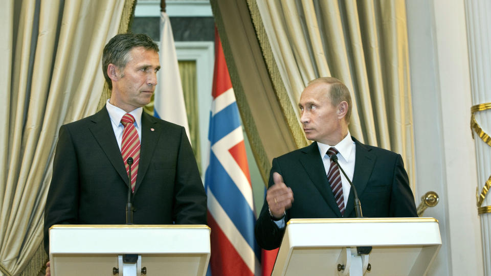 "Norway Premier ""Begged"" Putin To Stop Massacre Planned By ""Elites"""