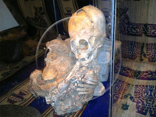 Scientists claim the discovery of a mummified alien in Peru