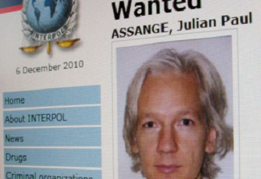 BREAKING: UK Met Police Enter Ecuadorian Embassy Building In Physical Extradition Attempt on Julian Assange